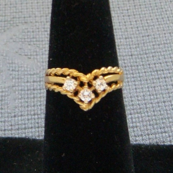 English 9 karat yellow gold  31 carat ring  Size 7